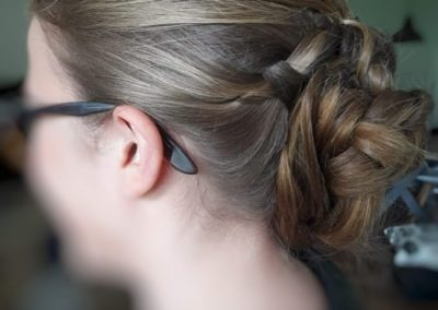 coiffure bal de fin d'année tressé en chignon gauche